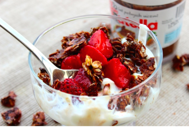 hot chocolate hits nutella granola