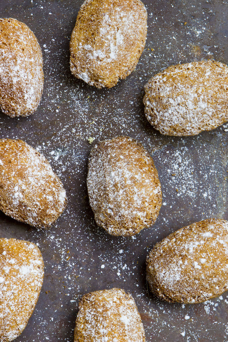 Recipe for foolproof French Madeleines. The perfect tea-time treat.