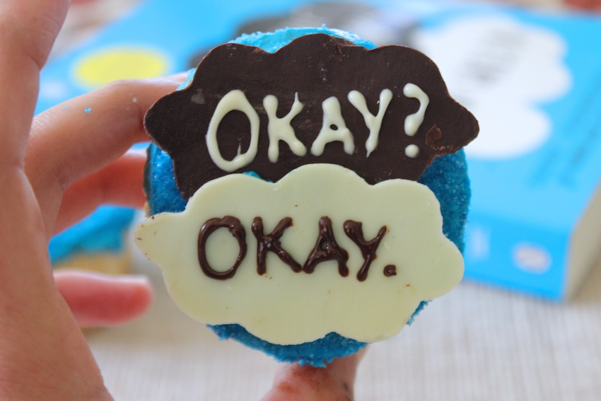 These Fault in Our Stars cupcakes are delicious and so easy to make! #cupcakes #TFIOS #hotchocolatehits
