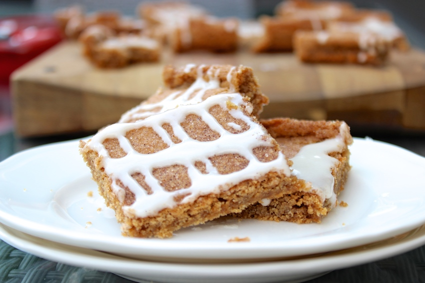 cinnamon roll blondies with cream cheese glaze