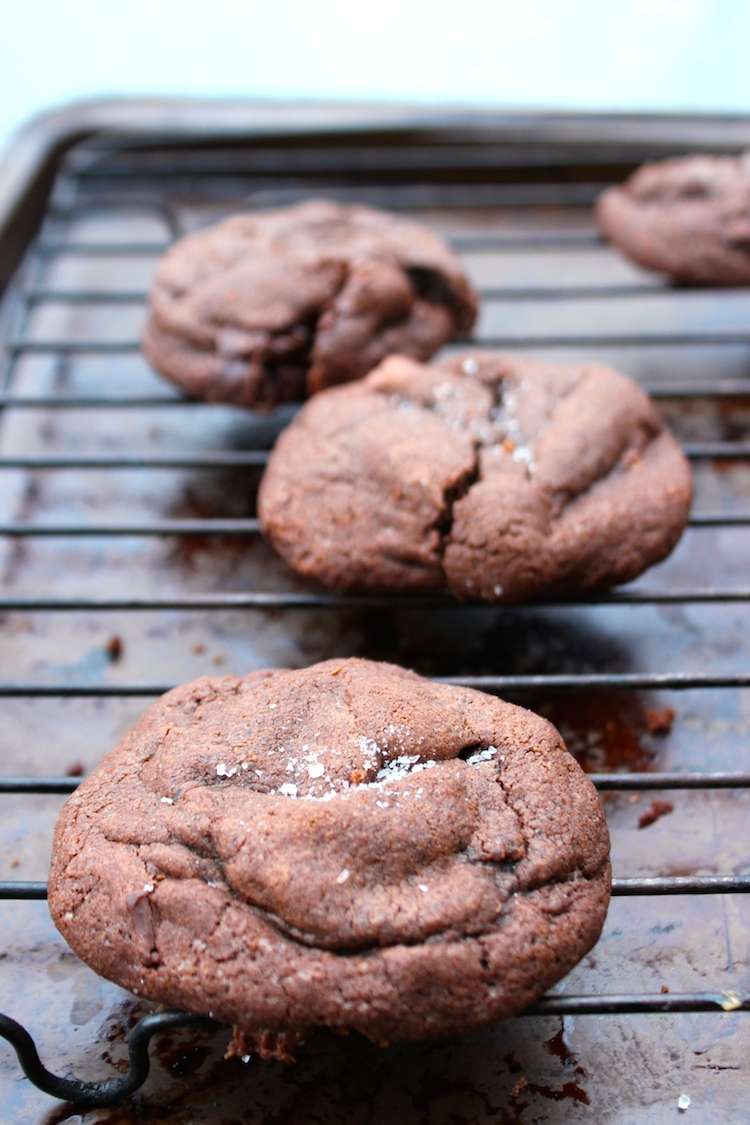 Nutella and Salted Caramel Stuffed Dark Chocolate Cookies. Perfection. #chocolate #caramell #Nutella #cookies
