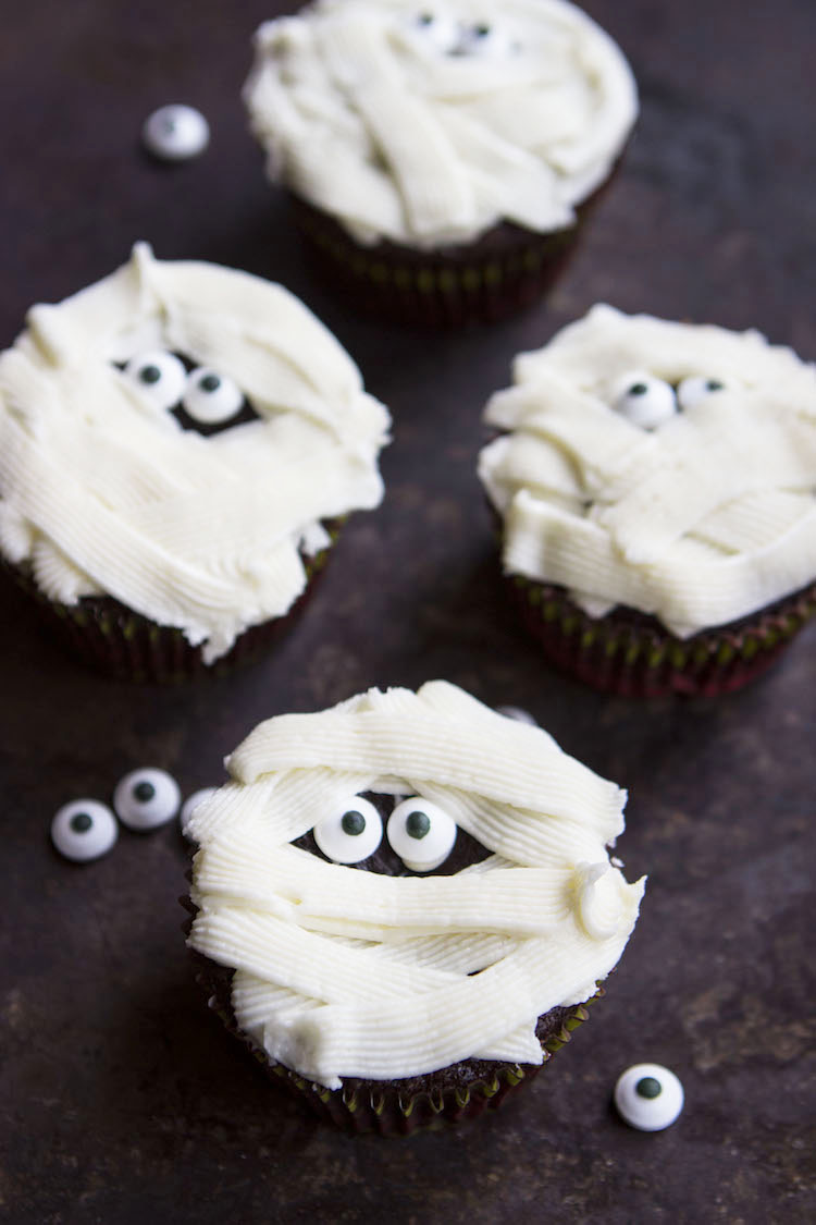 Easy Halloween Cupcakes- 4 spooktacular ways