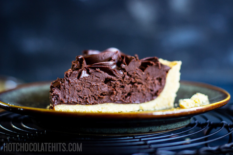 a picture of the slice of the no-bake chocolate tart